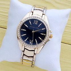 Женские наручные часы Michael Kors золотого цвета в асортименте