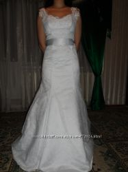 Продам очень красивое и модное свадебное платье