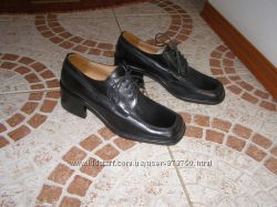 Туфлі шкіра Італія 23 см на шнурівках