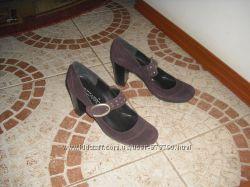 Туфлі бренду  Bizzarro шкіра Італія 35 розмір 22 см