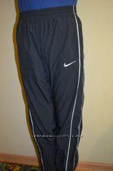 Спортивные штаны Nike оригинал 8-10 лет, 128-140 см.