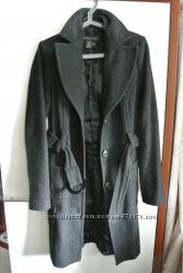 Продам демисезонное пальто Castro M