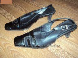 Туфли кожаные, р. 36  и 2-е туфли в подарок