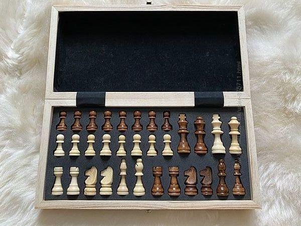 Шахматы деревянные на магните
