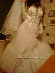 Продам очень красивое, шикарное свадебное платье. Торг