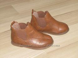 Стильные челси ботиночки на малышку в идеале