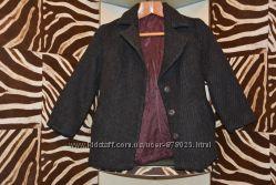 Хорошее пальтишко в пиджачном стиле, идет на размер S - M