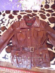 Лаковая кожанная куртка