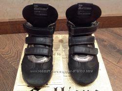 Ботинки John Galliano демисезонные. Натур. кожа р. 30