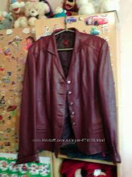 продам классную кожаную курточку.