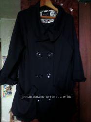 продам легкое пальто на девушку 54-56 размера состояние хорошее.