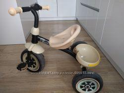 трёхколёсный велосипед Caretero