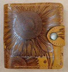 Восхитительный кожаный кошелек с авторским тиснением- Подсолнух Скидки Киев