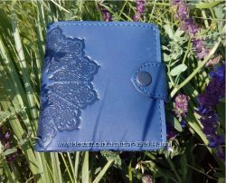 Восхитительный кожаный кошелек с авторским тиснением. Ассортимент. Киев