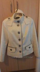 Продается белое пальто