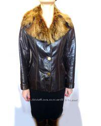 Продам кожаную куртку с воротником из натурального меха