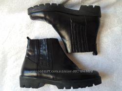 Пролет Ботинки челси кожаные фирменные.