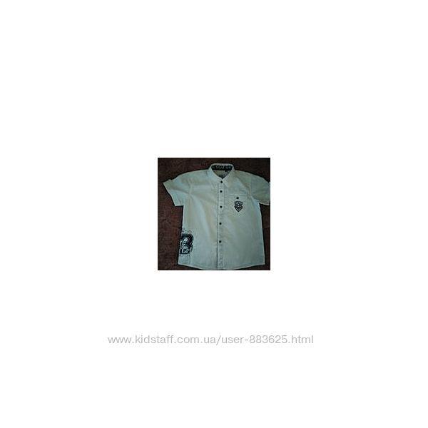 Две рубашки с коротким рукавом мальчику 4-5 лет