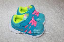 Кроссовки, туфли, кеды, босоножки, вьетнамки, аквашузы на 19-21 размер.