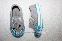 Стильные кроссовки, кеды, босоножки, туфли на 19-21 р. на мальчика