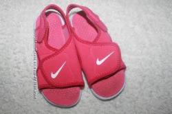 Босоножки фирмы Nike 27 размера по стельке 17-17, 3 см.