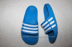 Шлёпанцы фирмы Adidas размер К3 наш 35 по стельке 22, 5-23 см.