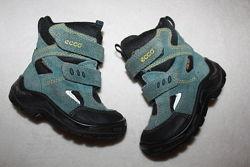 Ботинки термо фирмы Ecco 23 размера по стельке 14 см.