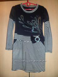 продам новое платье 32р