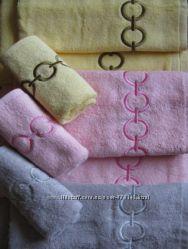 Полотенце махровое с вышивкой, плотность 400 грм2