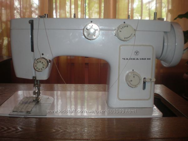 Швейная машинка Чайка 142-М новая