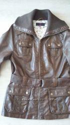 Стильная женская куртка из качественного кожзама