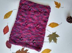 Вязаный объемный шарф-снуд из толстой пряжи