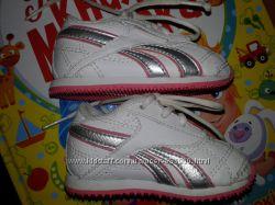 Кроссовки Reebok для девочки размер 17 до годика