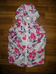фирменные куртки, жилетка, ветровка, дождевики, плащи на 3-6 лет
