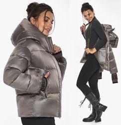 Воздуховик куртка зимняя короткая женская серебро Braggart 44520