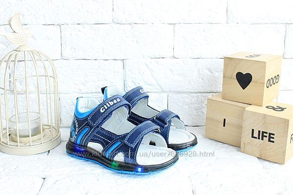 Кожаные сандалики-мигалки для мальчишек