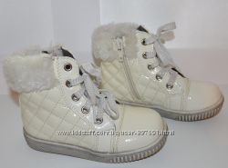 Красивые ботинки для девочки молочного цвета 24р 15, 5см по стельке