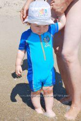 Яркий купальный костюм Next для малыша