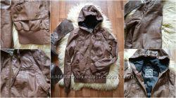 Куртка из эко-кожи с капюшоном, р-р Л