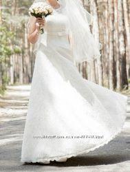 Свадебное платье кружевное, цену снизила