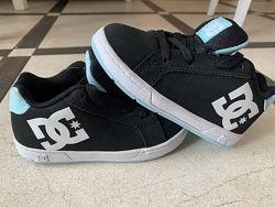 Новые кроссовки DC