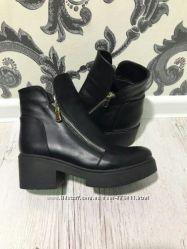 Замшевые и кожаные демисезонные ботинки с толстой подошвой на низком каблу