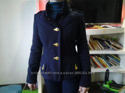 Оригинальное коротенькое пальто Montella