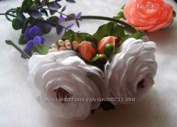 обруч с белыми розами