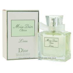 Женская парфюмированная вода Miss Dior Cherie LEau Dior