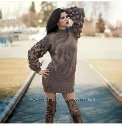 Вязаное свободное платье миди мини малинки оверсайз теплое ручная работа