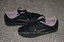 стильные кроссовки девочке Nike оригинал 22. 5 см стелька в идеале