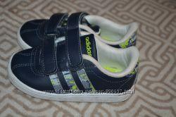 кроссовки мальчику Adidas оригинал 13. 8 см стелька 21-22 размер