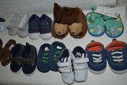 новые пинетки сандалики мальчику Next 11-11. 5 см 17-18 размер