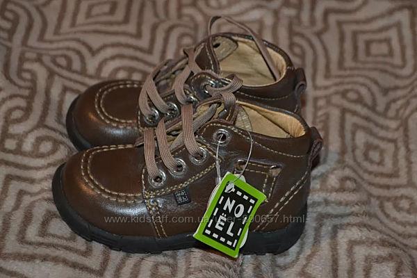Новые демисезонные ботинки Noel кожа 13. 8 см 21-22 размер